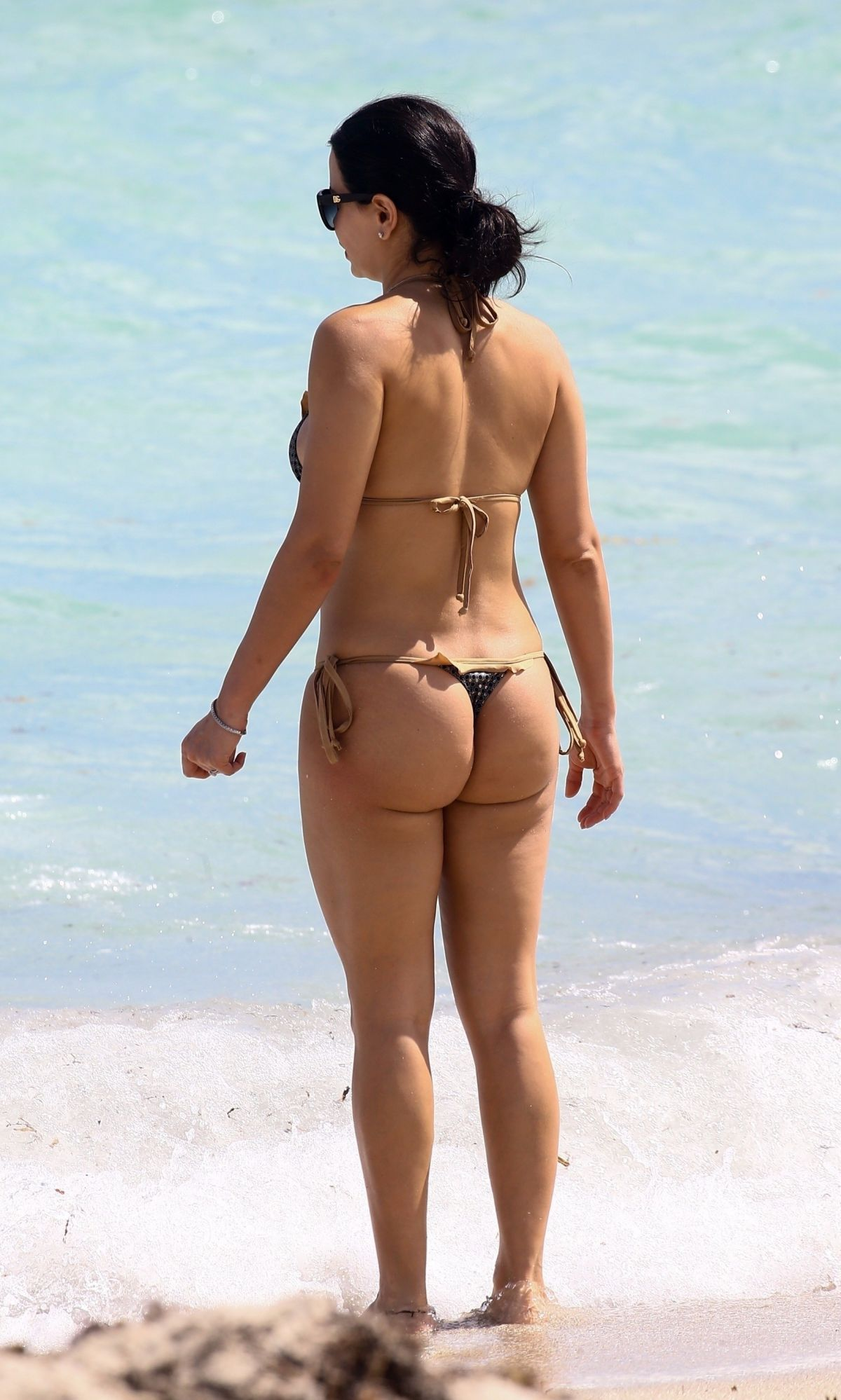 Kathy Picos in Bikini on the beach in Miami Pic 13 of 35