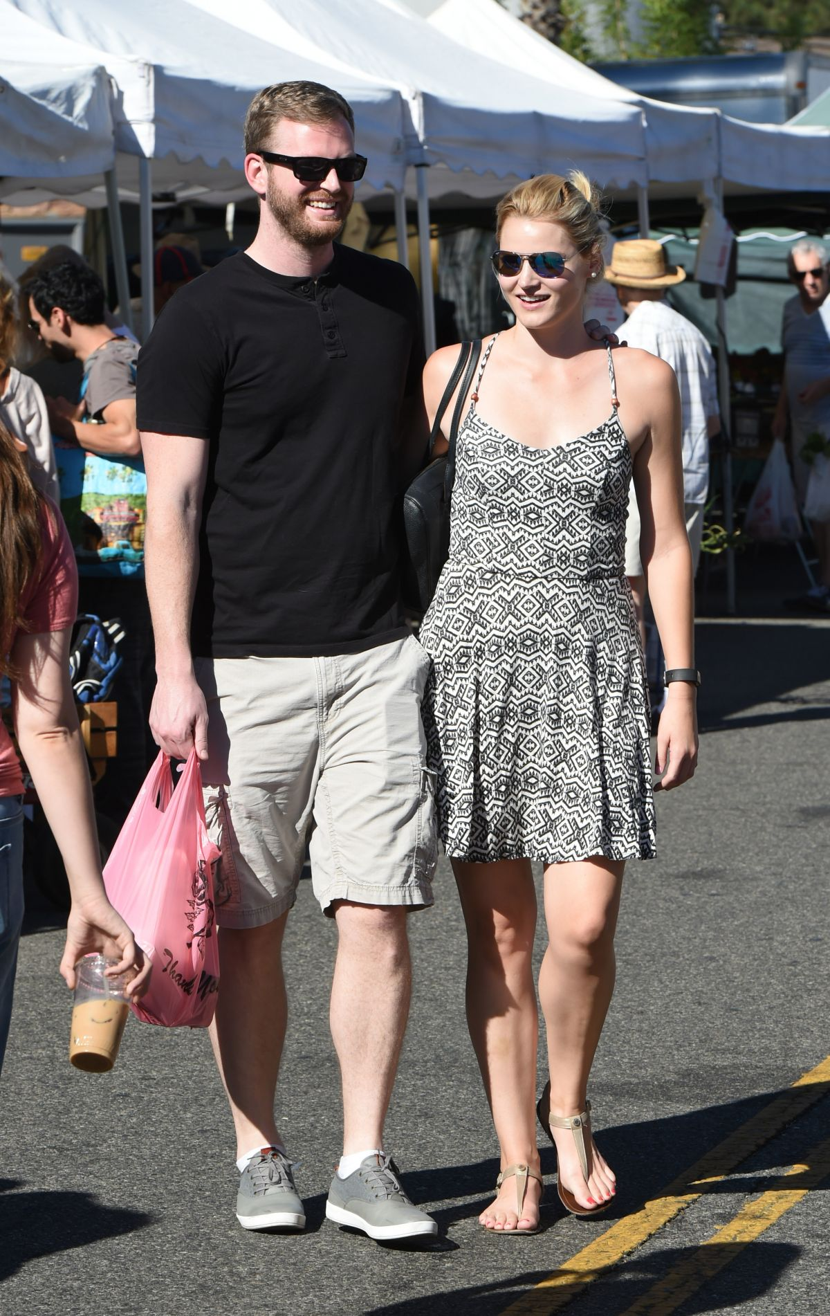 Laura Harman Goes to the Farmers Market with her boyfriend in Los Angeles