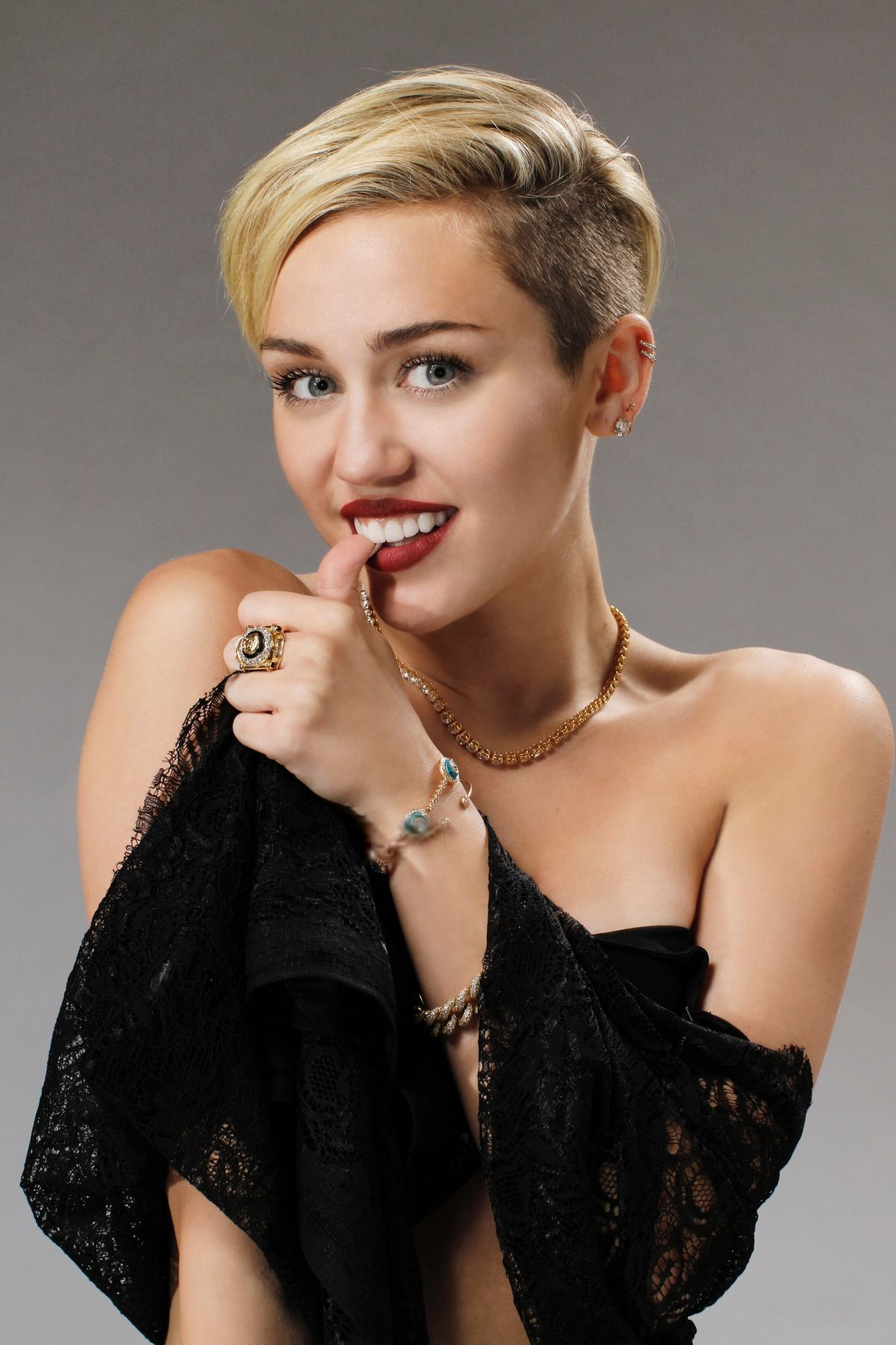 Miley Cyrus At Saturday Night Live Photoshoot by Andrew ... Miley Cyrus
