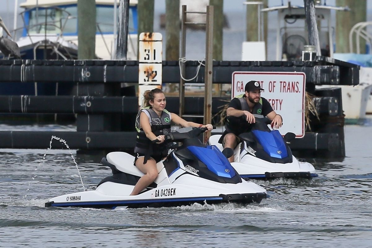 Miley Cyrus & Liam Hemsworth Go for a day date on Tybee Island in Georgia