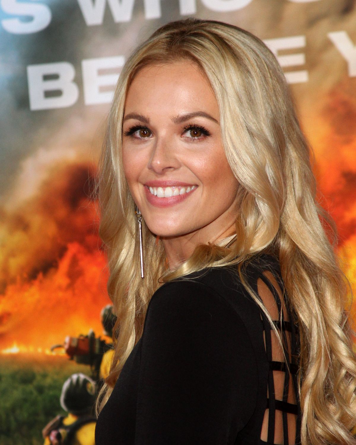Natalie Hall At 'Only The Brave' film premiere, Los Angeles   natalie-hall-at-only-the-brave-film-premiere-los-angeles-13