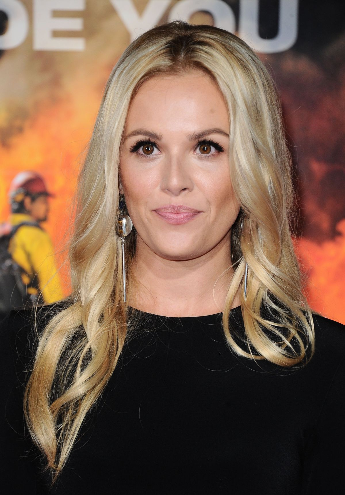 Natalie Hall At 'Only The Brave' film premiere, Los Angeles   natalie-hall-at-only-the-brave-film-premiere-los-angeles-22