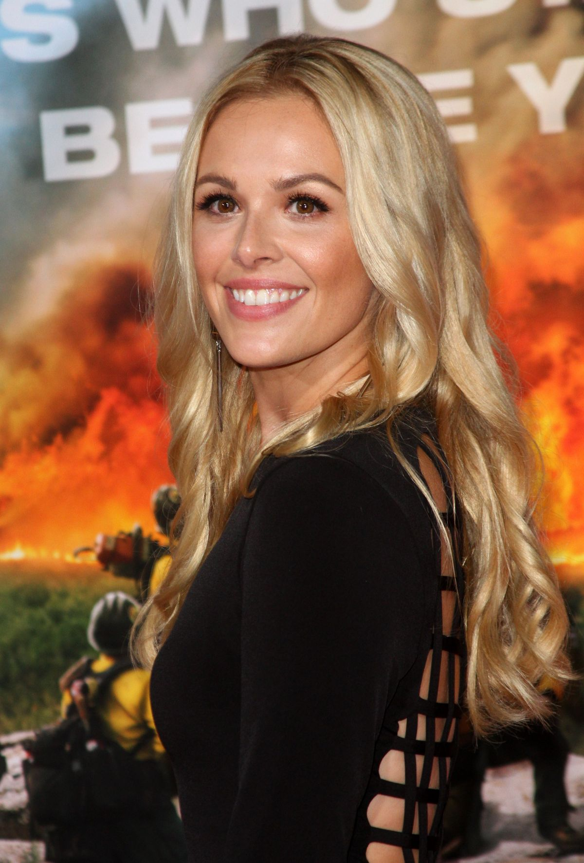Natalie Hall At 'Only The Brave' film premiere, Los Angeles   natalie-hall-at-only-the-brave-film-premiere-los-angeles-34
