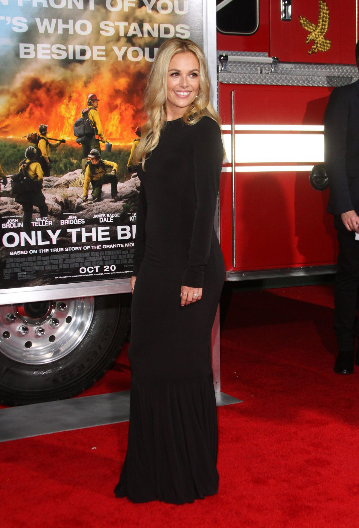 Natalie Hall At 'Only The Brave' film premiere, Los Angeles   natalie-hall-at-only-the-brave-film-premiere-los-angeles-6