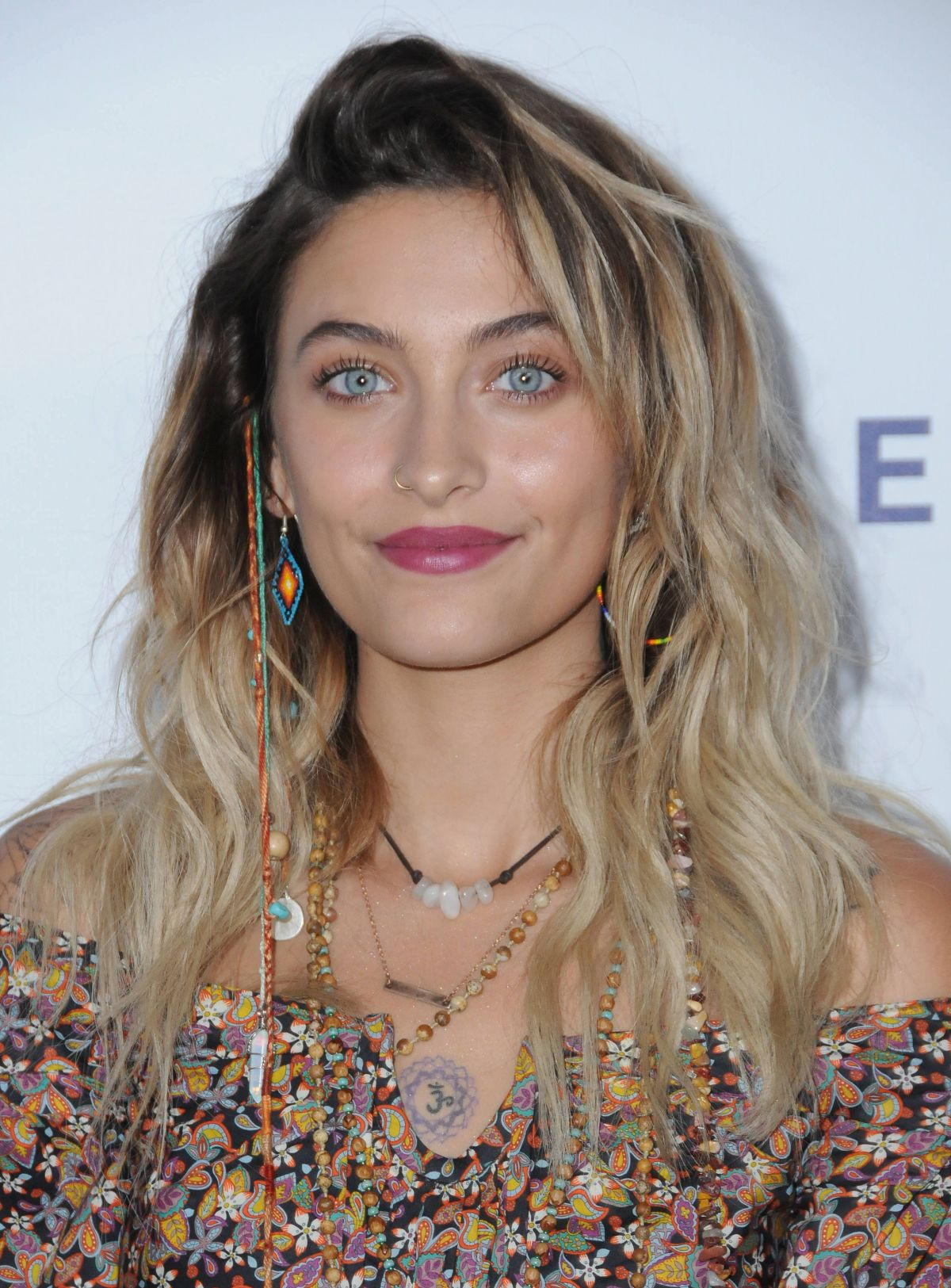 Paris Jackson Attends the mothers2mothers and The Elizabeth Taylor AIDS Foundation Benefit Dinner in Beverly Hills, California