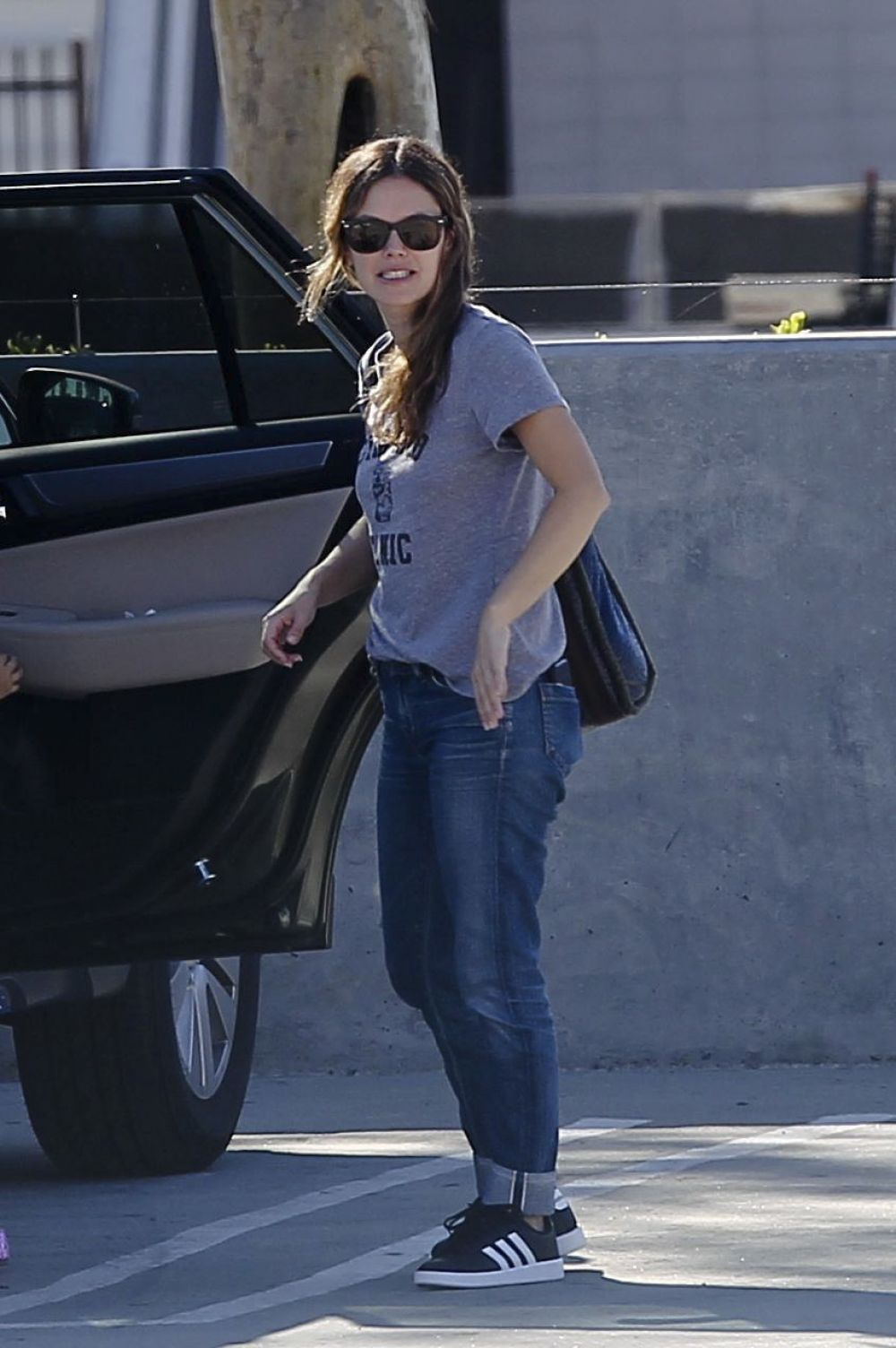 Rachel Bilson Visits a friend and takes her daughter and mother to the California Science Center in LA