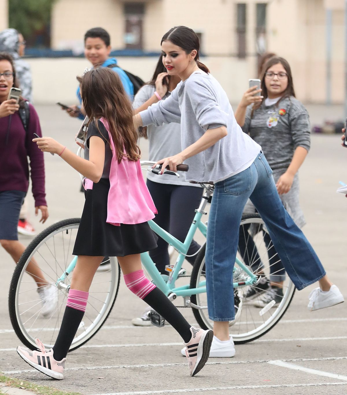 Selena Gomez Shoots hoops with students in LA