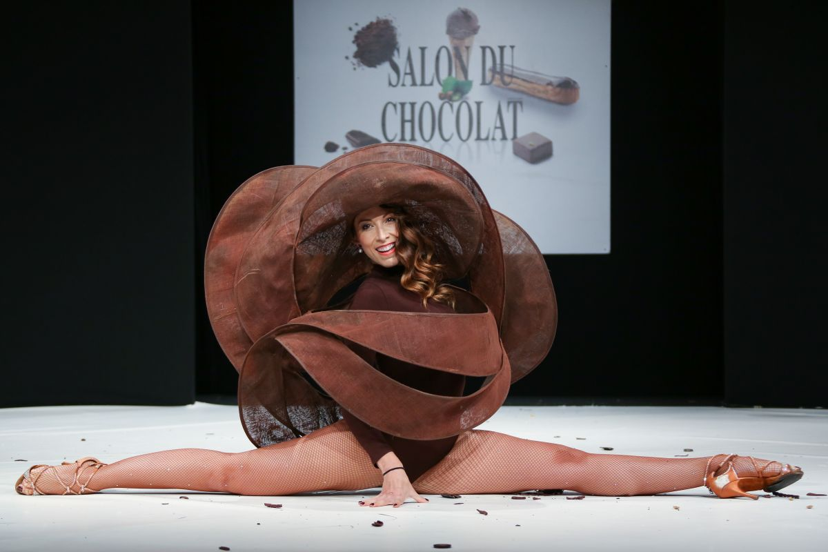 Silvia notargiacomo at salon du chocolat 2017 at paris - Salon du chocolat porte de versailles ...