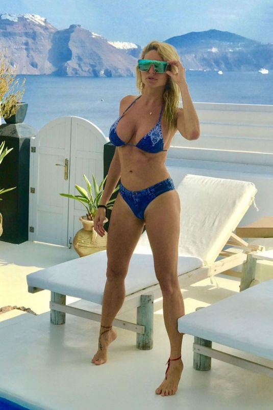 Victoria Xipolitakis in Blue Bikini at the pool in Santorini Pic 9 of 35