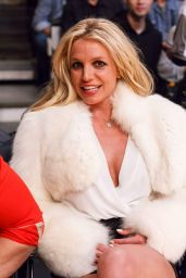 Britney Spears Attend match LA Lakers vs the Golden State in Los Angeles