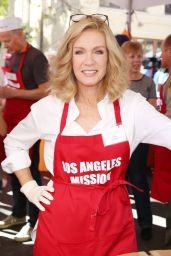 Donna Mills At the Los Angeles Mission Thanksgiving Meal for the homeless at the Los Angeles Mission