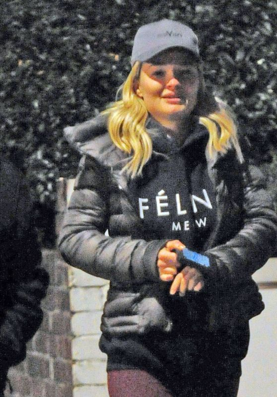 Emma Rigby Out with a mystery man in Notting Hill, London