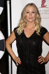 Jennie Garth At St. Jude Against All Odds Celebrity Poker Tournament in Las Vegas