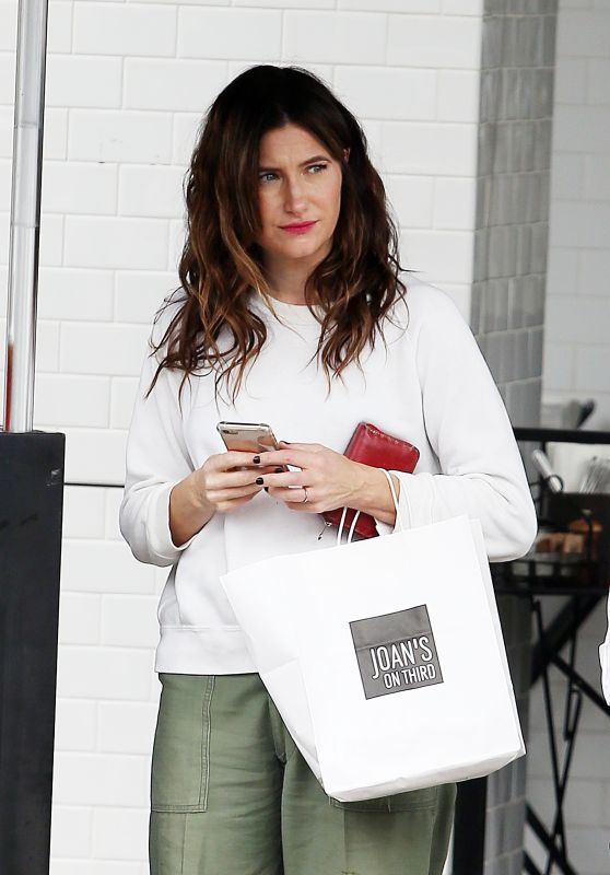Kathryn Hahn Waiting for her car at the valet stand outside Joan