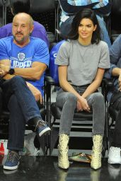 Kendall Jenner Attends a game between the Los Angeles Clippers and the Philadelphia 76ers in LA