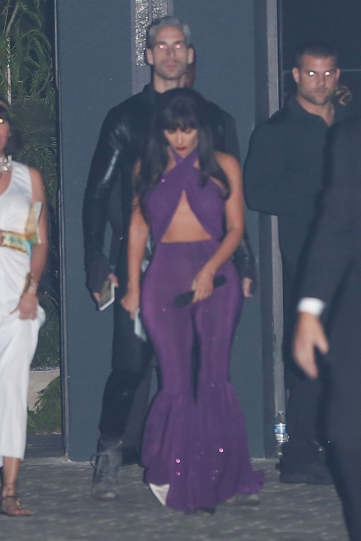 Kim Kardashian Dresses up as the late singer, Selena Quintanilla-Pérez in LA
