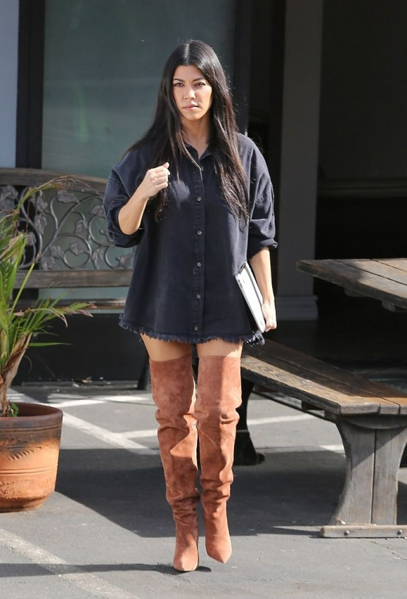 Kourtney Kardashian's Vacation Photos with Boyfriend The fashion spot kourtney kardashian