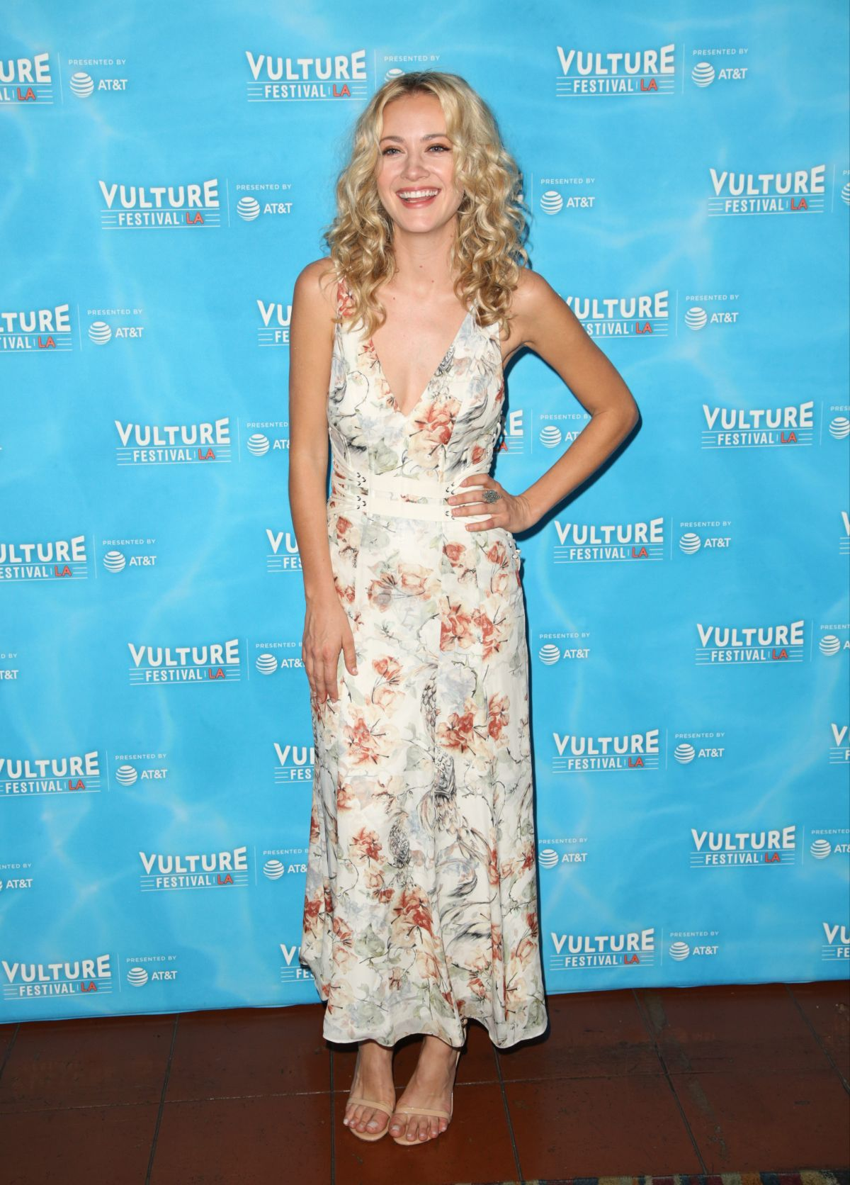Meredith Hagner At Vulture Festival\'s Search Party Scavenger Hunt at ...
