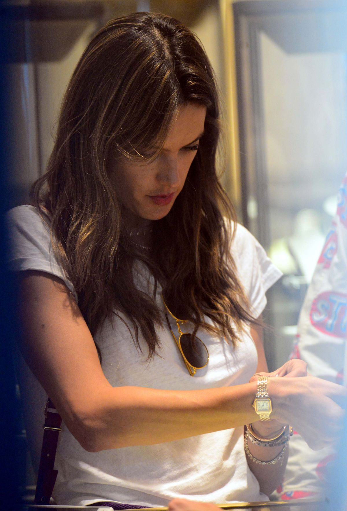 Alessandra ambrosio checks out jewelry at cartier in for Cartier in beverly hills