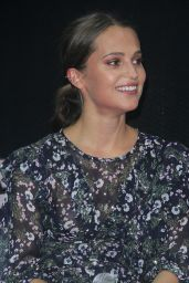 Alicia Vikander At