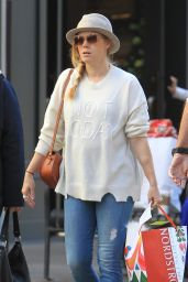 Amy Adams Out doing some Christmas shopping with friends at The Grove in Los Angeles