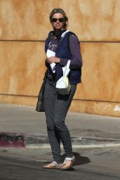Amy Smart At the California Fertility Partners Clinic in LA