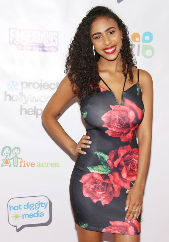 Angelique Sabrina White At Project Hollywood Helpers event in Los Angeles