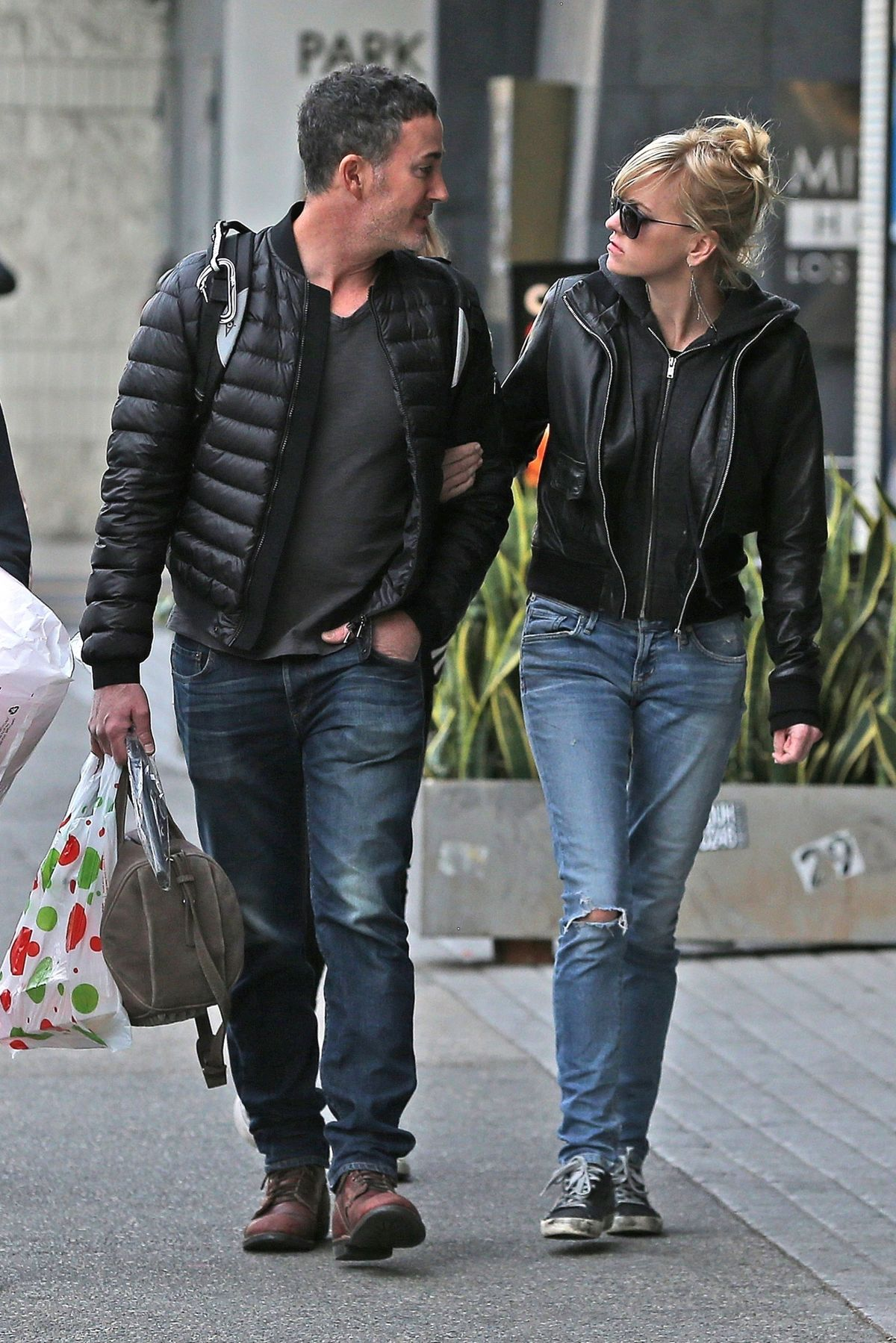 Anna Faris and her boy...