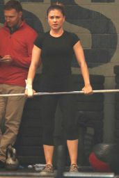 Anna Paquin Gets in a heavy duty workout ahead of the holidays in LA