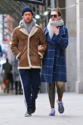 Anne Hathaway and Adam Shulman head to the gym together in New York