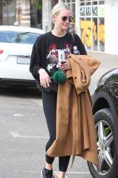 Ashlee Simpson Out in Los Angeles