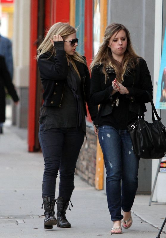 Avril Lavigne Shopping with a friend in Los Angeles