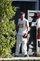 Bella Thorne and Mod Sun arrive home and unload the car in Los Angeles, California