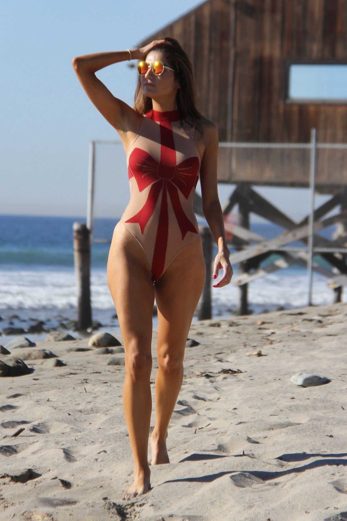 015f93111e Blanca Blanco Gets into the holiday spirit at the beach in Malibu wearing a Christmas  bow