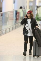 Camren Bicondova Spotted flying into Toronto, Canada