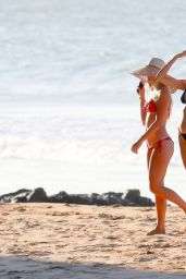 Candice Swanepoel Spent the day at the beach with a taking snaps with beautiful girlfriend in Vitoria, Brazil