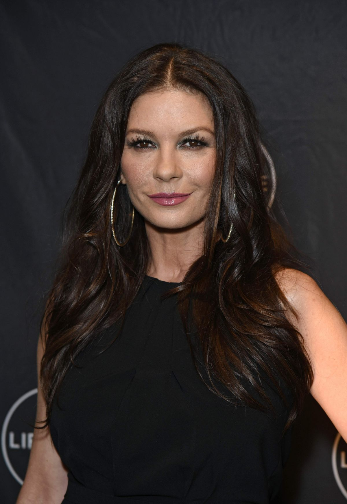 Catherine Zeta-Jones At NY Premiere of Cocaine Godmother ... Catherine Zeta Jones