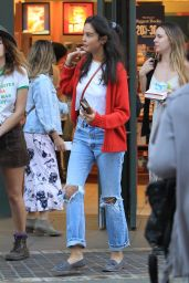 Courtney Eaton Goes Christmas shopping with friends at The Grove in West Hollywood