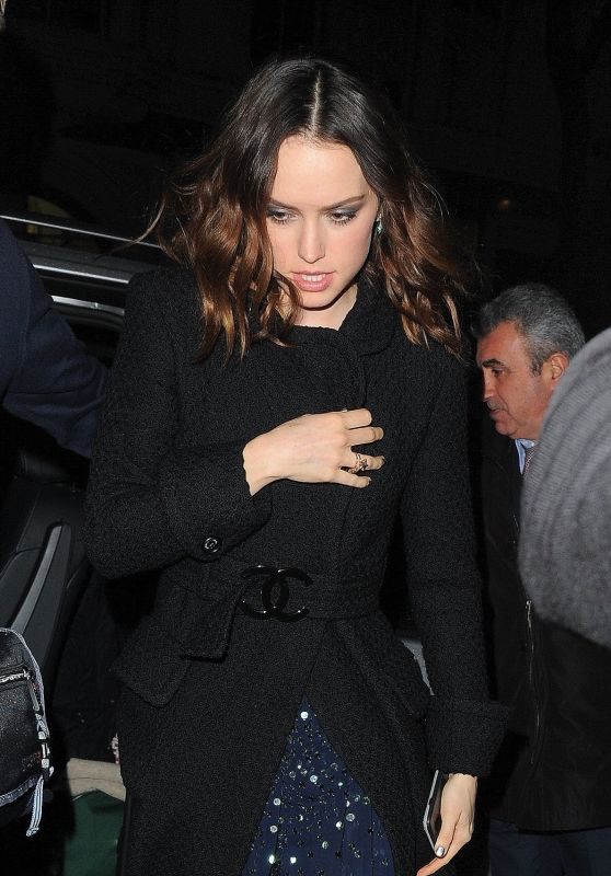 Daisy Ridley Arrives at the