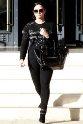 Demi Lovato Does some last minute Christmas shopping in Beverly Hills