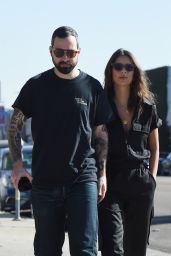 Emily Ratajkowski Out for lunch in Los Angeles
