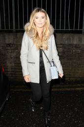 Georgia Toffolo Is spotted arriving at Pure Bar in Bexleyheath