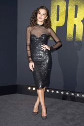 Hailee Steinfeld At Pitch Perfect 3 Premiere in LA