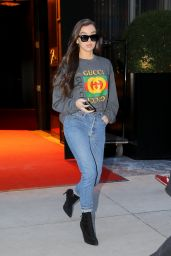 Hailee Steinfeld Checking out of her hotel in NYC