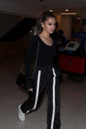 Hailee Steinfeld Spotted at LAX Airport