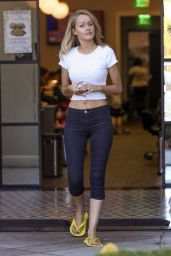 Hayley Roberts Shows off a naval piercing while baring her midriff at a nail salon in Calabasas
