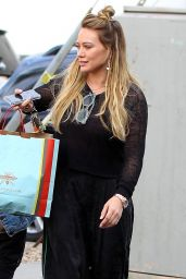 Hilary Duff At Christmas shopping in LA