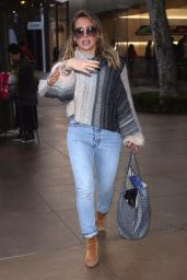 Hilary Duff Take her son to The Grove to see Santa Claus, West Hollywood