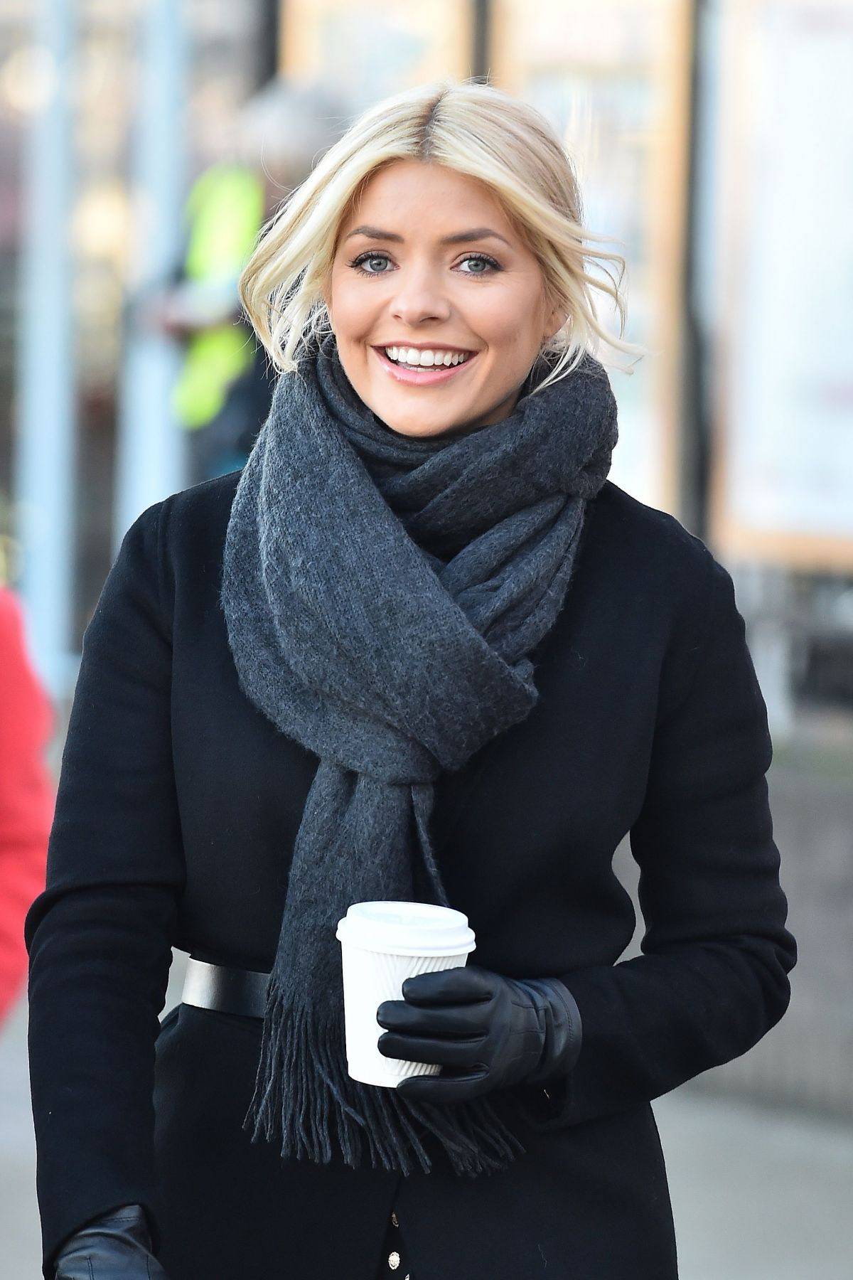 holly willoughby - photo #44