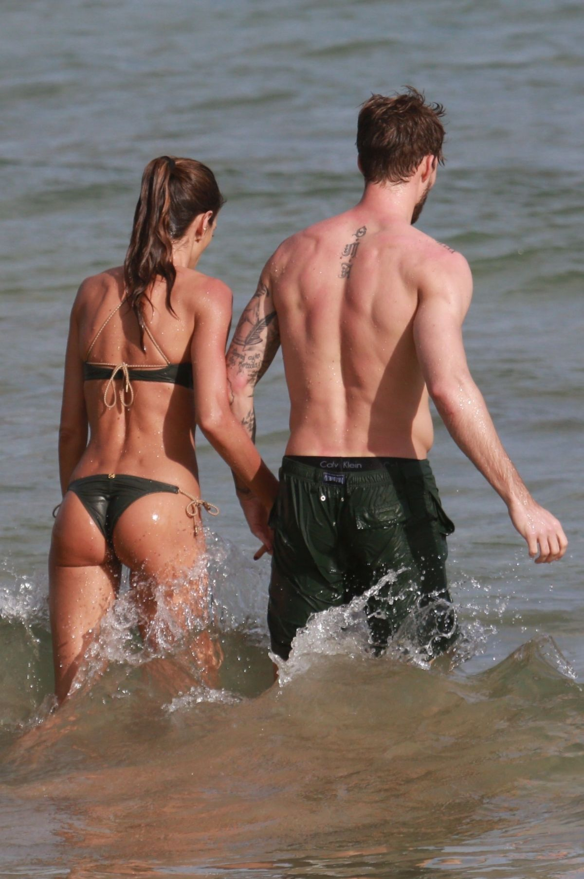 Izabel Goulart in Bikini with boyfriend on the beach in Recife Pic 4 of 35